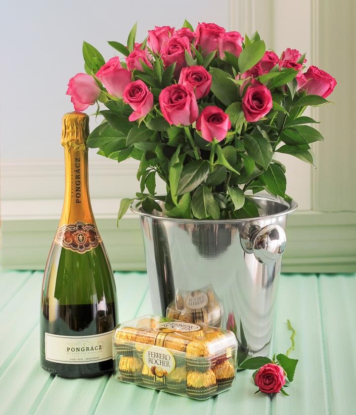 много открытки торт шампанское цветы красивых розах нас
