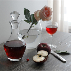 Пазл онлайн: Натюрморт с розой