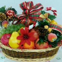 Пазл онлайн: Новогодняя корзинка