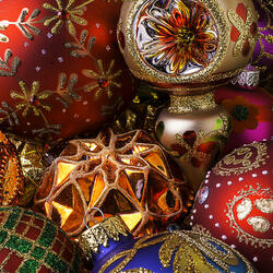 Пазл онлайн: Праздничные узоры