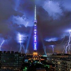 Пазл онлайн: Ночная гроза в Москве