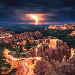 Пазл онлайн: Молния в Большом каньоне