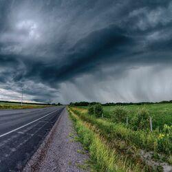 Пазл онлайн: Дорога перед дождем