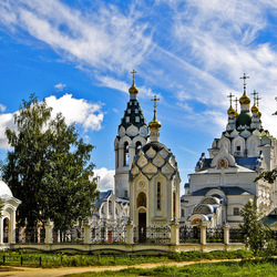 Пазл онлайн: Троицкая церковь в Йошкар-Оле.