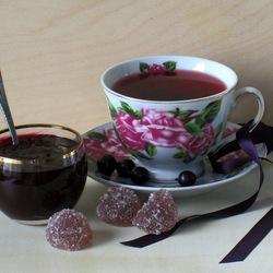 Пазл онлайн: Чай с вареньем