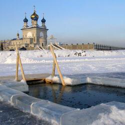 Пазл онлайн: Крещенская купальня