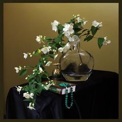 Пазл онлайн: Ветка жасмина