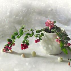 Пазл онлайн: Розовый снежноягодник