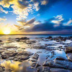 Пазл онлайн: Солнце освещает все