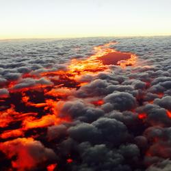 Пазл онлайн: Закат под облаками