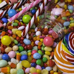 Пазл онлайн: Очень много конфет