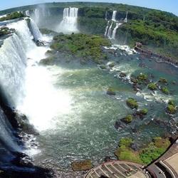 Пазл онлайн: Панорама водопада