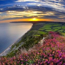 Пазл онлайн: Закат солнца на побережье