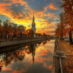 Пазл онлайн: Золотая осень на Крюковом канале