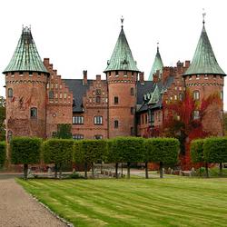 Пазл онлайн: Замок Троллехольм