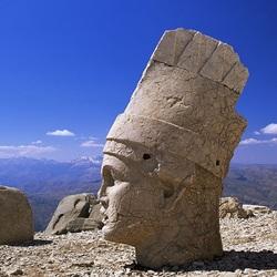 Пазл онлайн: Каменные статуи