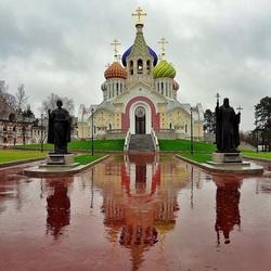 Пазл онлайн: Храм в Ново-Переделкино