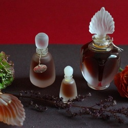 Пазл онлайн: Винтажные ароматы