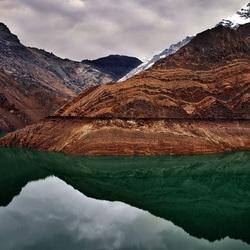 Пазл онлайн: Зелено-коричневое отражение