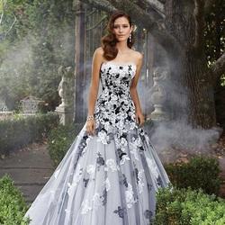 Пазл онлайн: Свадебное платье в стиле готика
