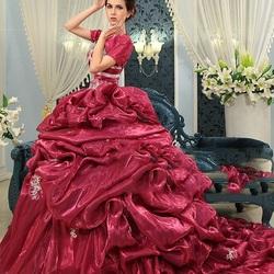 Пазл онлайн: Шикарное платье