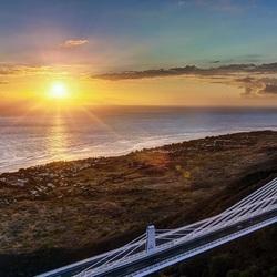 Пазл онлайн: Мост на закате солнца
