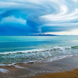 Пазл онлайн: Воронка облаков