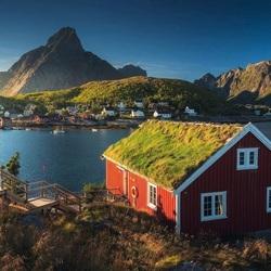Пазл онлайн: Рыбацкий поселок в Норвегии