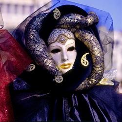 Пазл онлайн: Маски венецианского карнавала