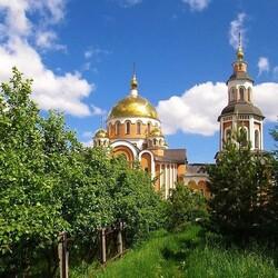 Пазл онлайн: У стен монастыря