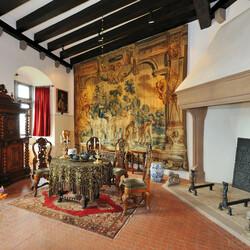 Пазл онлайн: Интерьер замка Эльц