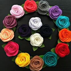 Пазл онлайн: Цветы из ткани