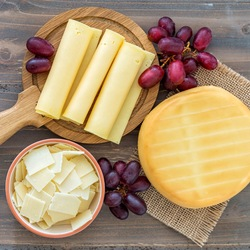 Пазл онлайн: Сыр и виноград