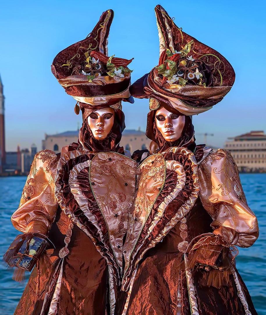 Магия Венецианского карнавала костюмы и маски  Жизнь в