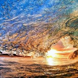 Пазл онлайн: Волна в лучах солнца