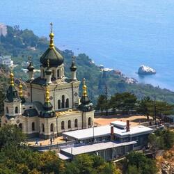 Пазл онлайн: Храм в Крыму