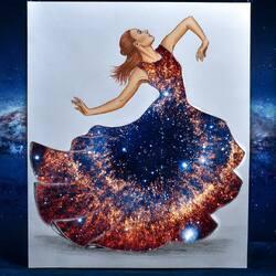 Пазл онлайн:  Галактическое платье