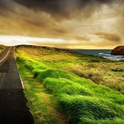Пазл онлайн: Дорога у берега моря