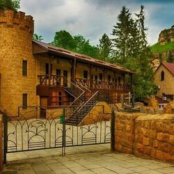 Пазл онлайн: Замок вблизи Кисловодска