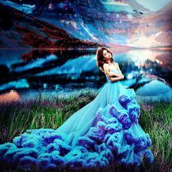Пазл онлайн: Голубое платье