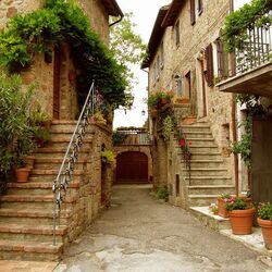 Пазл онлайн: Итальянский дворик