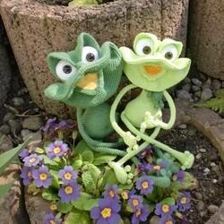 Пазл онлайн: Веселые лягушата