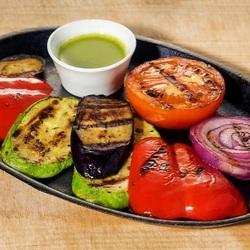 Пазл онлайн: Запеченные овощи.