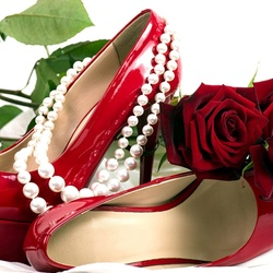 Пазл онлайн: Розы и туфельки