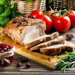 Пазл онлайн: Свинина с клюквой и розмарином