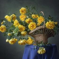Пазл онлайн: Волшебный аромат желтых роз