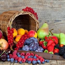 Пазл онлайн: Корзина с фруктами