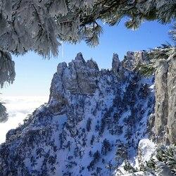 Пазл онлайн: Синяя гора Ай-Петри