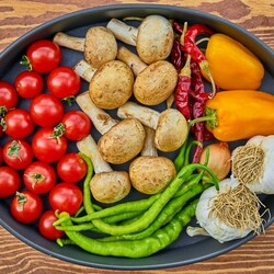 Пазл онлайн: Овощи и грибы
