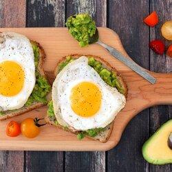 Пазл онлайн: Бутерброды с авокадо